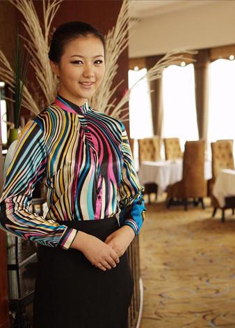 依梦都客户-城市名人酒店集团西餐服务员制服